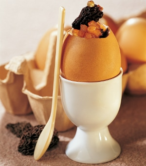 Recette œufs coque à la Truite fumée et morilles