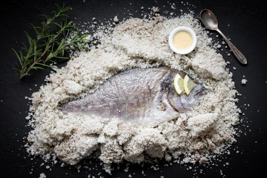 Atelier des Incontournables - Daurade en croûte de sel et beurre blanc