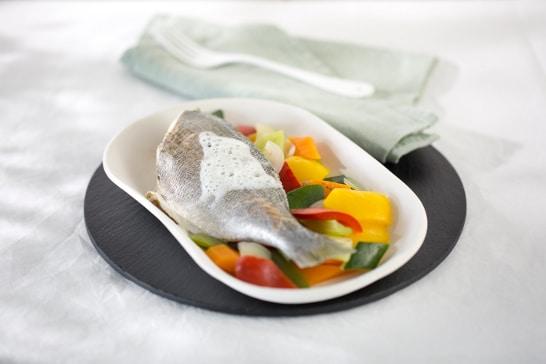 Recette poisson - Daurade pochée aux aromates
