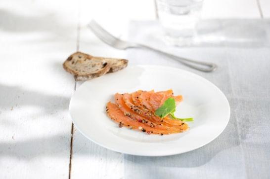 Recette tartare de poisson - Gravlax de truite aux trois baies