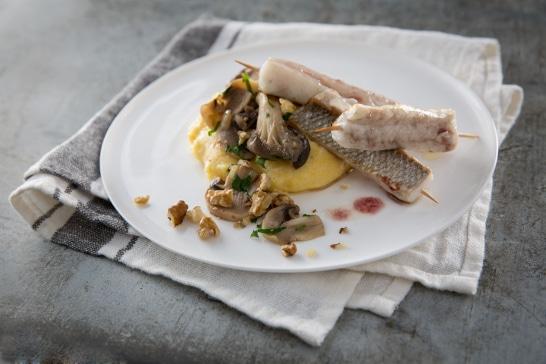 Piccata de bar laqué à l'italienne, fricassée de champignons aux noix - Saveurs d'Europe | Atelier Poisson