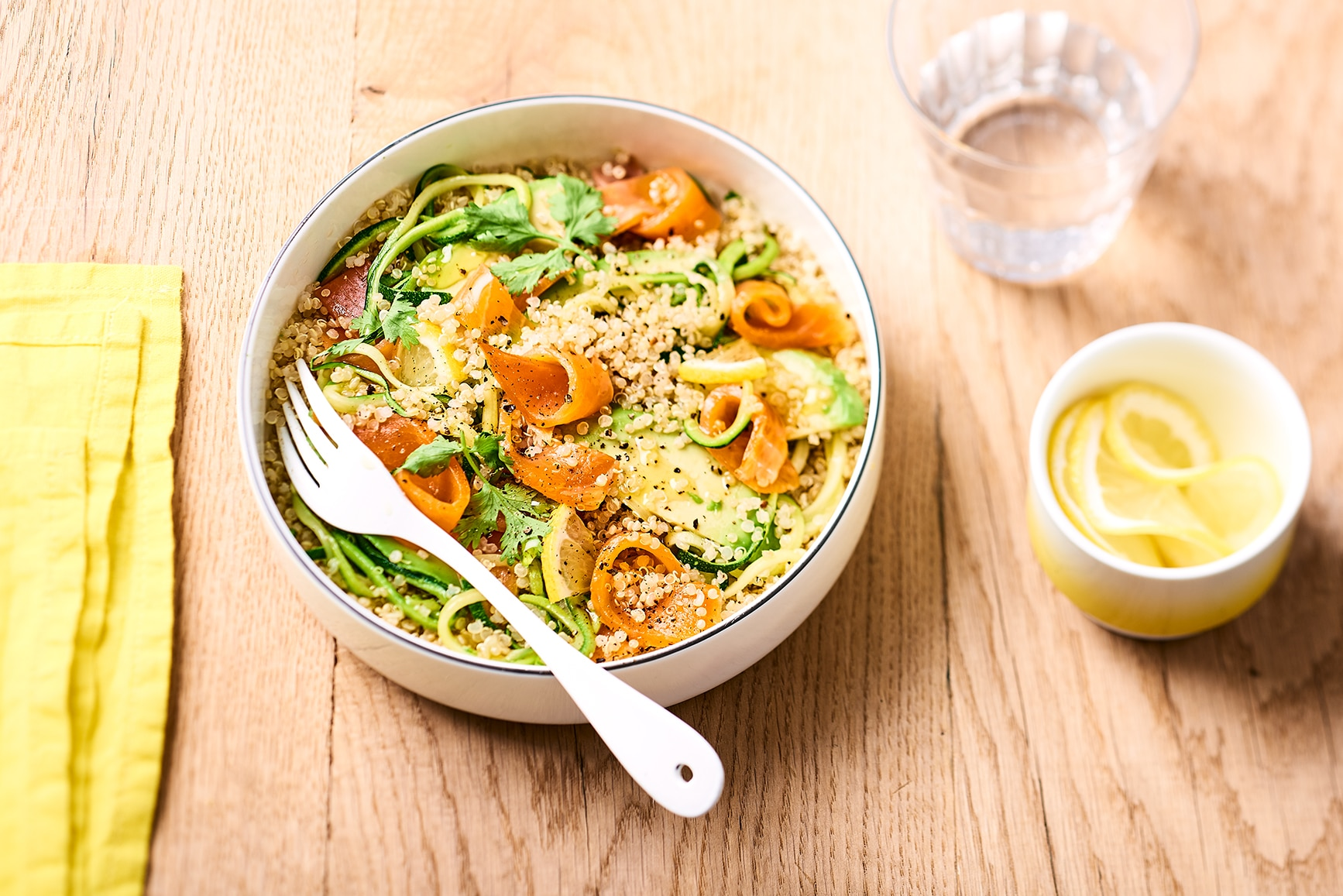 recette salade fra cheur de quinoa aux lani res de truite fum e. Black Bedroom Furniture Sets. Home Design Ideas